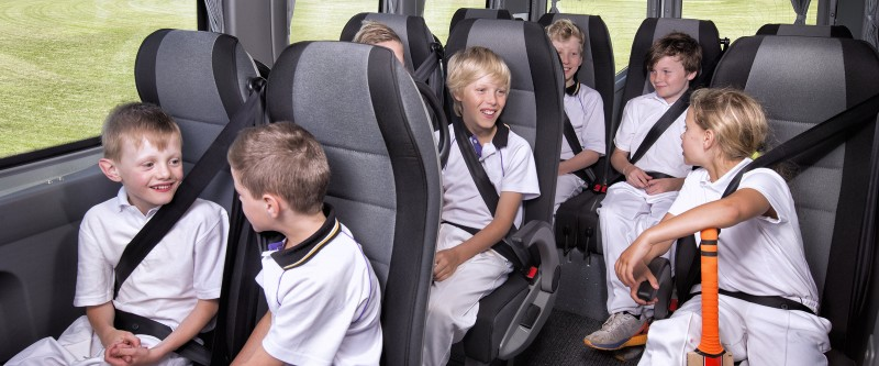 Renault Master Bus Image 1