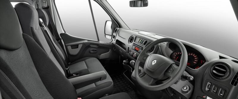 Renault Master Bus Image 8