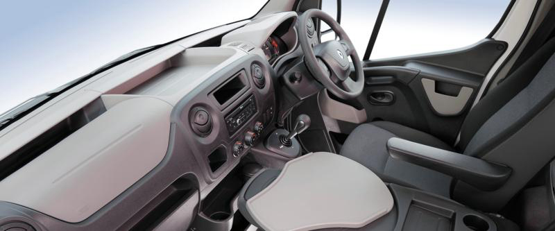 Renault Master Cab Chassis Image 7