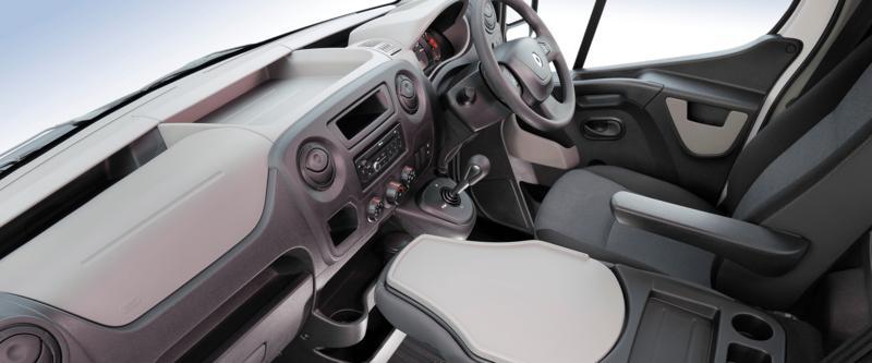 Renault Master Van Image 10
